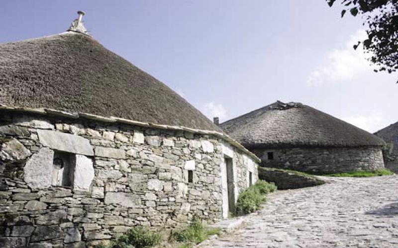 Hütten wie bei Asterix und Kolonialstil wie auf Kuba- traditionelle  Architektur in Nordspanien b55d356f2a5
