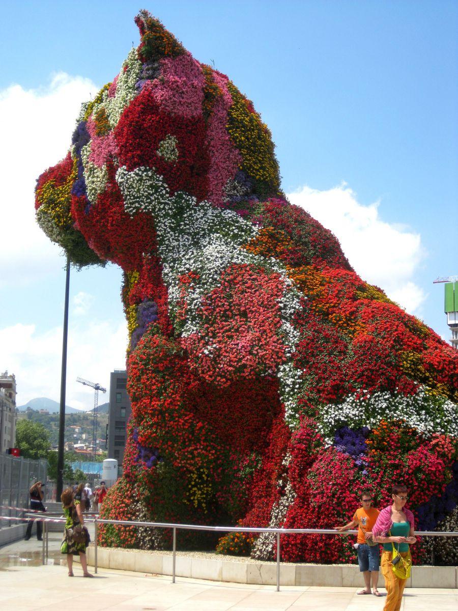 Puppy Art district Bilbao