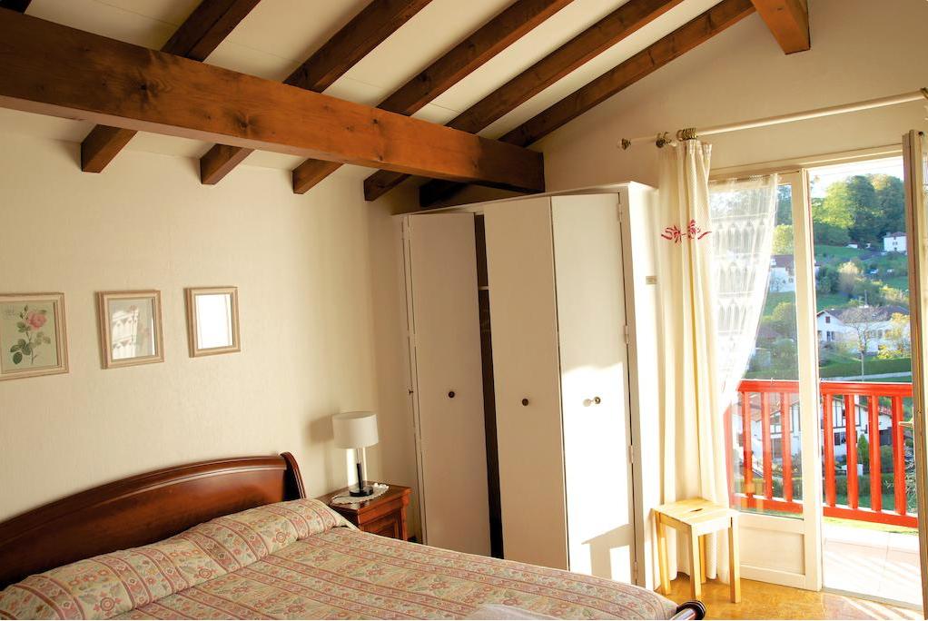 kreative moderne wohnung interieur donovan hill, hoteller på den franske camino (camino francés) - vores camino, Design ideen