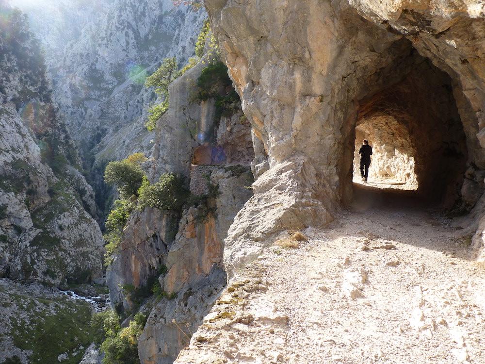 new arrival 98f63 04679 Hiking Ruta del Cares