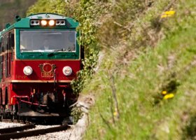 Expreso de la Robla***: 7 days indulgence on rails and urban splendor