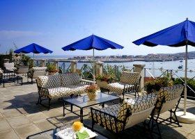 En förtrollande semester längs den gröna kusten i Parador-hotell